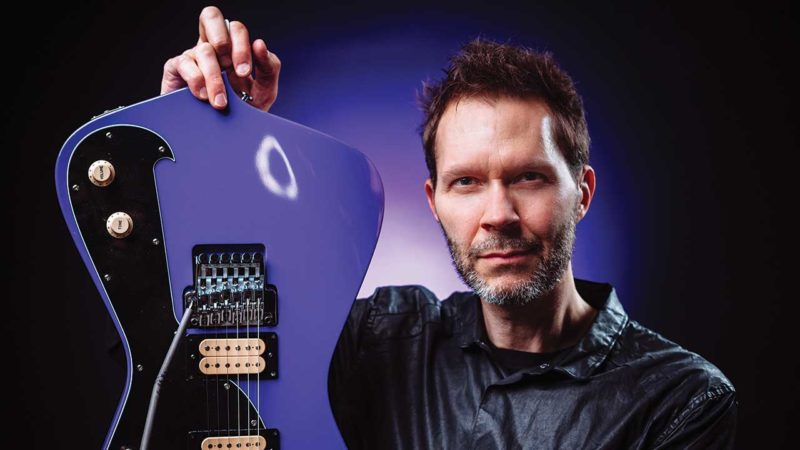 Paul Gilbert – Guitarist